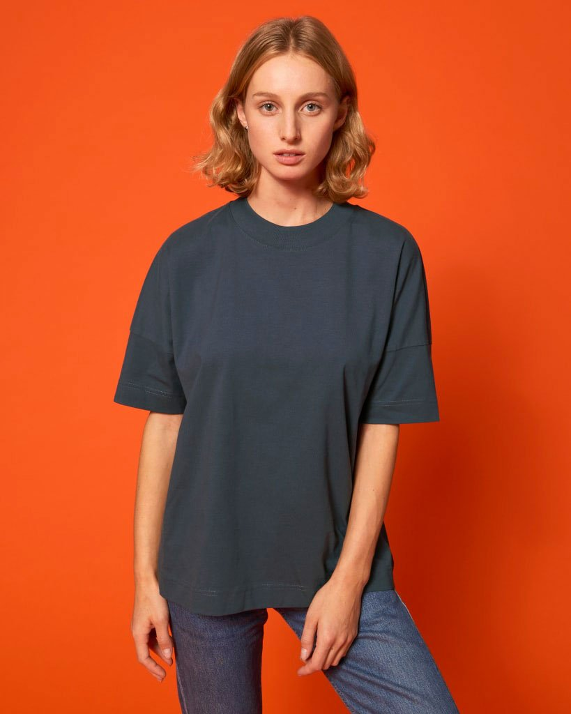oversized unisex t-paita tummanharmaa