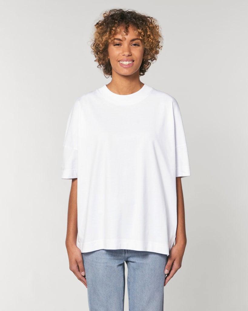 valkoinen oversized t-paita